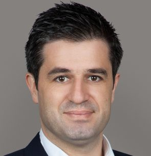 Γιάννης Πετράκης
